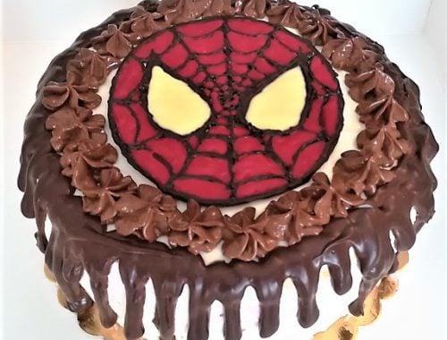 tort drip cake z maską Spidermana