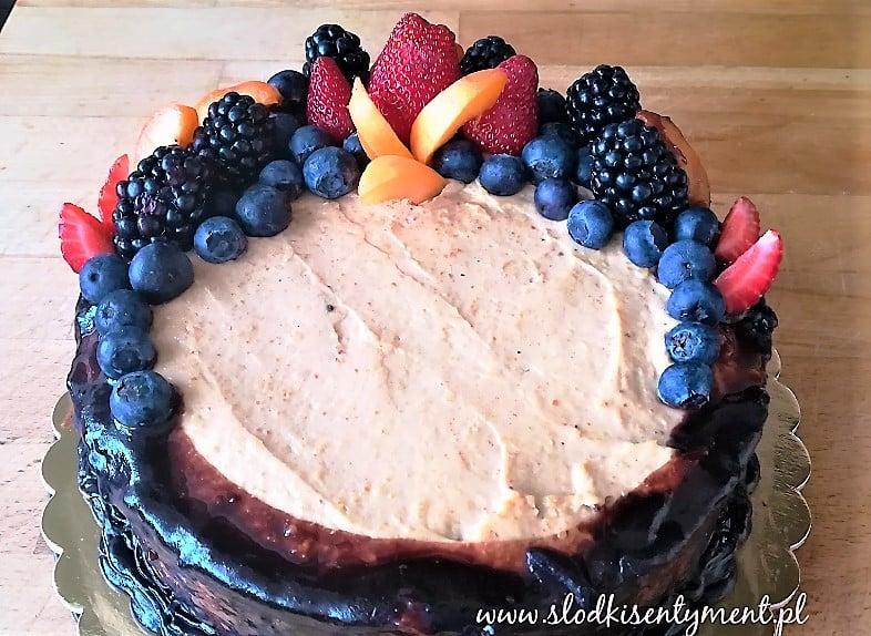 Tort truskawkowo-orzechowy (vege)