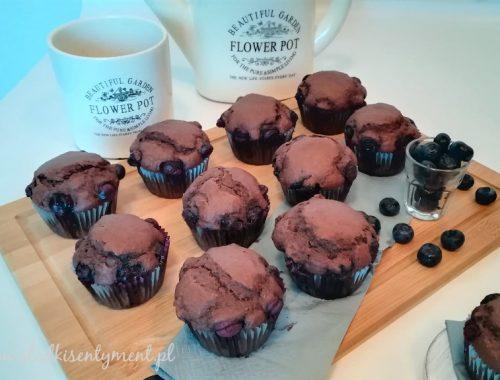 Muffinki kakaowe z borówkami (vege)