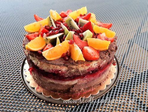Tort czekoladowy z owocami (vege)