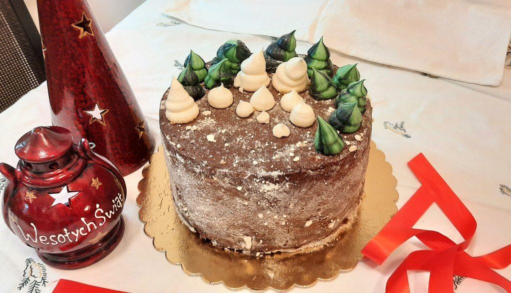 Tort czekoladowo-marcepanowy